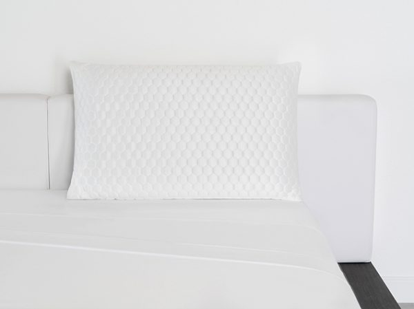 Luxury-Cooling-Pillow-Lifestyle