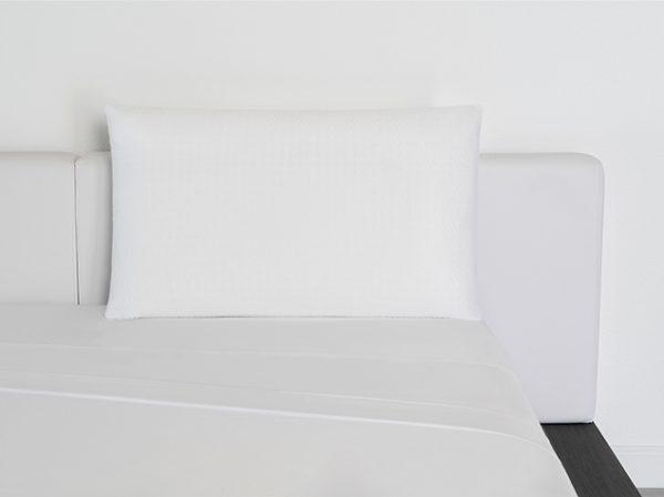 Memory-Foam-Pillow-Lifestyle